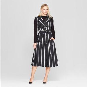 Women's sleeveless stripped trench coat